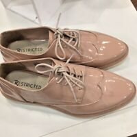 🌸NWT Patent wing tip lace up shoe in Blush