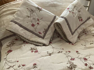 Croscill Embroidered Rose Garden 3 PCS Queen Comforter Set  2 Shams