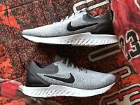NEW Nike Odyssey React Running Shoes Womens 12 Wolf Grey Platinum A09820-003