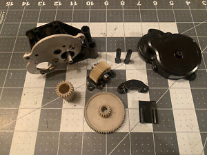 VINTAGE TAMIYA KING CAB 58081 HILUX MONSTER RACER 58086 GEAR CASE AND GEARS DIFF