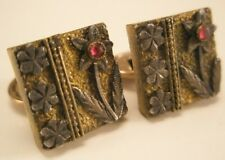 Red Stone Daisy Gold Tone Vintage Victorian Tiny Cuff Links