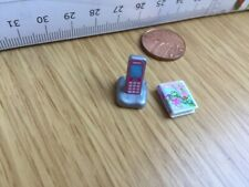 7538 Playmobil New Doll House Spare - Pink Mobile Phone in Charger + Book