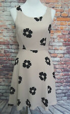 Lauren Conrad Beige black floral fit and flair sleeveless dress pockets size 6