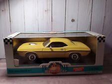 Peachstate Ertl 1970 Dodge Challenger R/T 1:18 Scale Diecast Model Car Yellow