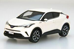 EBBRO 45599 1:43 Toyota C-HR White pearl crystal shine model cars