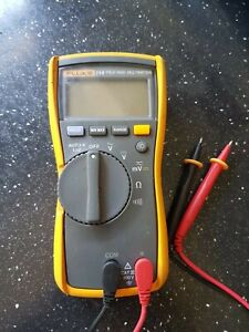 Fluke 114 True RMS Multimeter with 2 Probes (no Case)