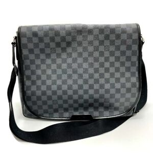 LOUIS VUITTON N58033 Damier-Graphite Daniel GM Shoulder Bag Black x Gray