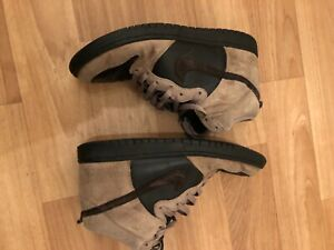 nike dunk high khaki velvet brown - used with wear and tear but very rare no box