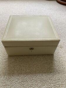 Pottery Barn Mckenna Medium Jewelry Box Ivory Retired