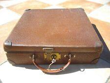 Valise ancienne avec clé / année 40 - 50 / bagage porte documents