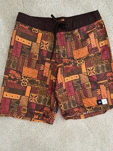 RVCA Men's Size 36 Hawaii Edition Boarshorts Lot & Lime Green Short Shorts