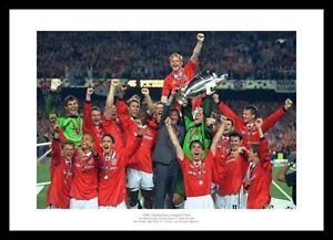 Manchester United 1999 Champions League Team Photo Memorabilia (928)