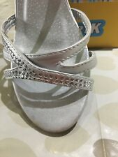 Woman'/ Girls Silver Sparkling party /Occasion  Low Heel shoes  Sandals size 3