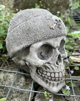 STONE GARDEN WOOLY HAT SKULL GOTHIC HUMAN HEAD ORNAMENT STATUE
