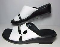 Clarks Womens White Leather  Sandals Size 8.5 M