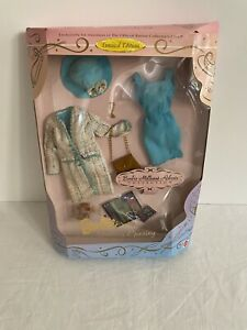 1997 Barbie Millicent Roberts Gallery Opening Outfit Collector's Club, NIB