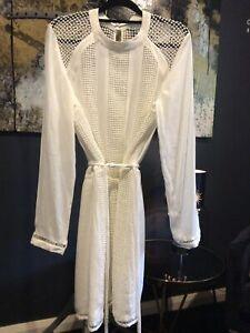 WITCHERY MINI  WHITE DRESS SIZE 10