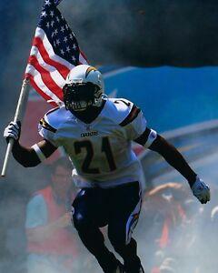 LADAINIAN TOMLINSON 8X10 PHOTO SAN DIEGO CHARGERS NFL FOOTBALL