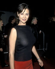 CATHERINE BELL SEXY HOT 8X10