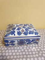 Vintage Oriental Style Large Ceramic Trinket Box With Blue & Gilt Decoration