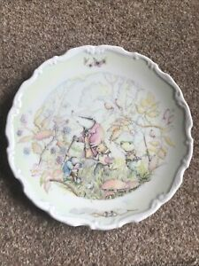"""Royal Doulton The Wind in the Willows """"Rambling in the Wild Wood"""" china plate"""