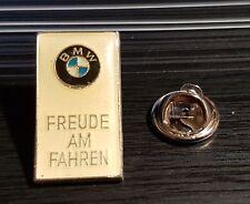 BMW Pin Freude am Fahren weiß - Maße 13x23mm