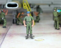 USAF ground commander in airfield 1:48 Pro Built Model