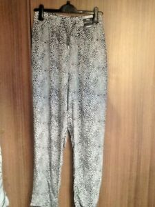 Ladies trousers size 20 BN M&S RRP £19.50