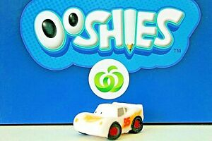 LIGHTNING  McQUEEN Woolworths Ooshies PIXAR  CARS.- COLOUR CHANGE