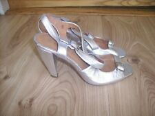 Silver Leather Evening Shoes by Ravel size 5 / 38