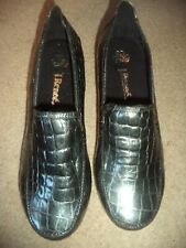 Women's J. RENEE Shoes Skin Patent Black Loafers Wedges Size 9M