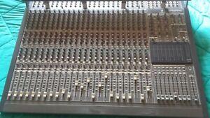 Mixer Behringer Mx800024/48 canali + alimentatore e mini led