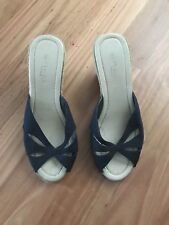 LADIES CUTE BLUE FABRIC OPEN TOE WEDGE HEEL SANDALS BY NEW LOOK - SIZE 8