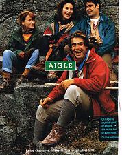 PUBLICITE ADVERTISING 094  1993  AIGLE  bottes chaussures vetements