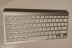 Apple Magic Keyboard A1314 sans Fil - Blanc (QWERTY)
