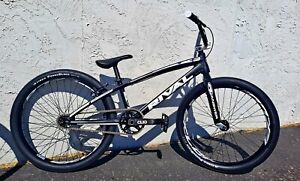CUSTOM RIVAL CRUISER Complete BMX Bike