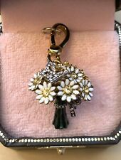 Juicy Couture 2009 Daisy Flowers Bouquet charm, Rare, Retired Style # YJRU1683