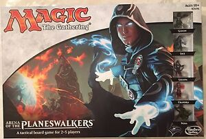 Magic The Gathering Arena of the Planeswalkers Tactical Board Game w/ 5 figures
