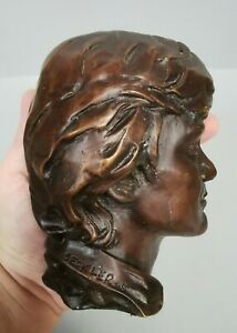 beau Buste de Claude FRANCOIS signé SECK LEROS , patine bronze