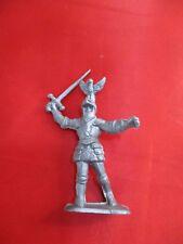 JEM Figurine moyen age 1/32 soldat combattant épée levée Norev Non peint