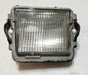 1980-1985 OLDSMOBILE DELTA 88 98 RH PASS SIDE FENDER CORNER LIGHT TURN MARKER