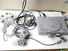 Sony PlayStation PS 1 Grau Spielekonsole mit 2 Konsolen und  8 Spielen