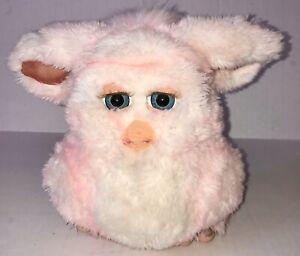 2005 Lg HASBRO FURBY Pink/White w Aqua Eyes TESTED WORKING Talking Moves toy