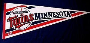 MINNESOTA TWINS vintage 1970's souvenir felt pennant baseball blue red MLB