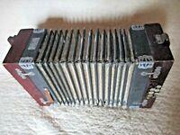 Ancien petit accordéon A et V-jouet en bois et carton maché