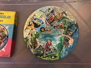 Waddington's Junior Circular Jigsaw: Aesop's Fables