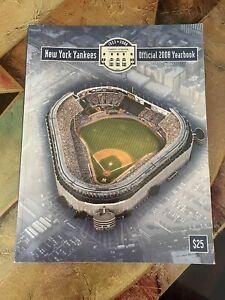 2008 NEW YORK YANKEES YEARBOOK EX-MT+/NM  Last Year Old Yankee Stadium Near Mint