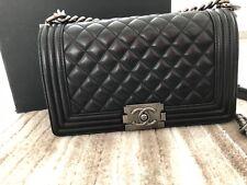 Chanel Boy medium Schwarz Black Lammleder