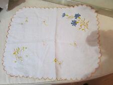 ancien grand napperon decor floral oeillet marguerite