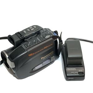 Panasonic PV-D407 Palmcorder VHS-C Camcorder TESTED wORKS W/ Charger